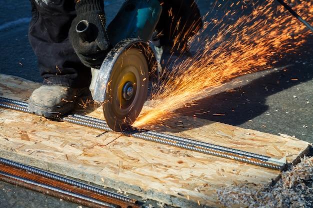 Staalbouw zware industrie door elektrische flex