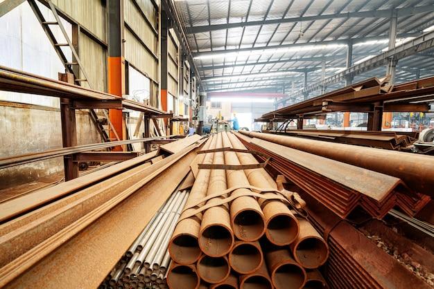 Staalfabriek gestapeld staal