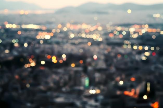 Stad bij nacht, bokeh achtergrond.