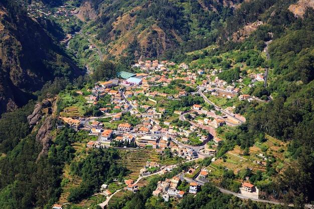 Stad in de bergen