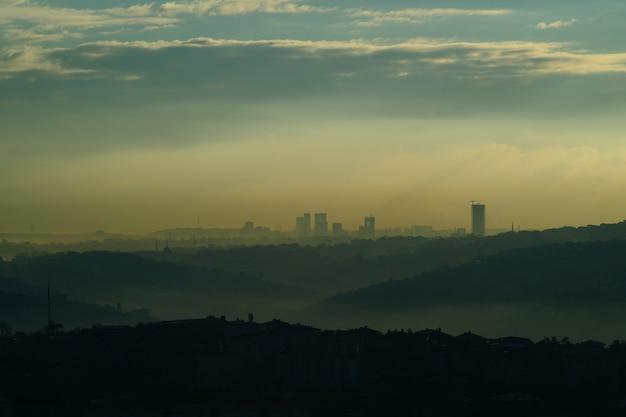 Stad met vervuiling