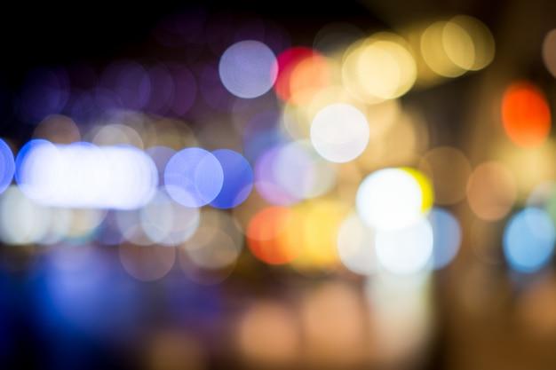Stad nacht wazig verkeerslichten