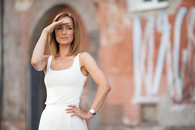 Stad wit portret tederheid vrouwelijke