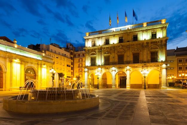 Stadhuis in castellon de la plana in de nacht