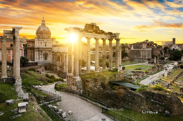 Stadsbu van rome zonsopgang italië