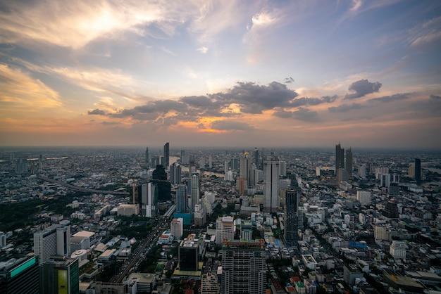 Stadsgezicht en skyline van de stad bangkok, thailand