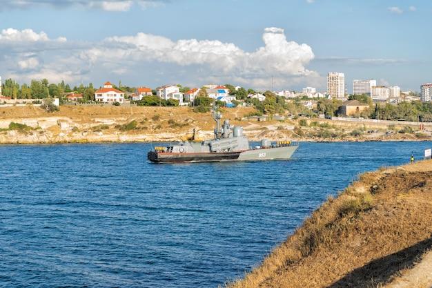 Stadslandschap van de krim en de kust van de zwarte zee