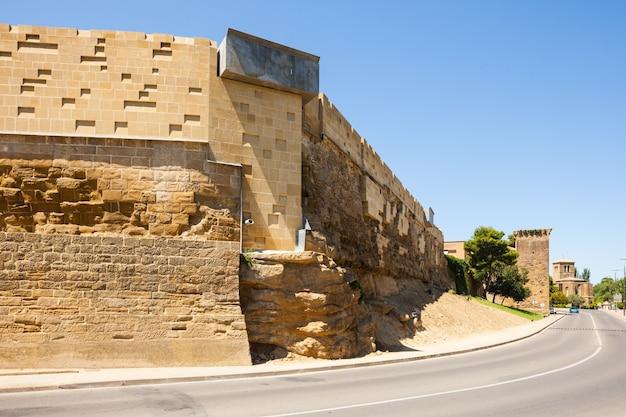 Stadsmuur van huesca. aragon