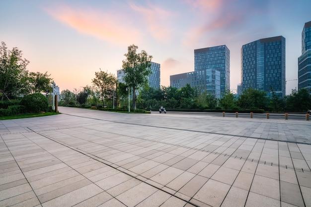 Stadsplein en moderne hoogbouw