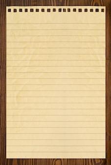 Standaard van bruin droog hout