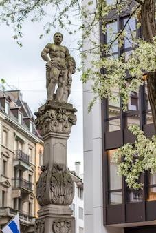 Standbeeld in zürich