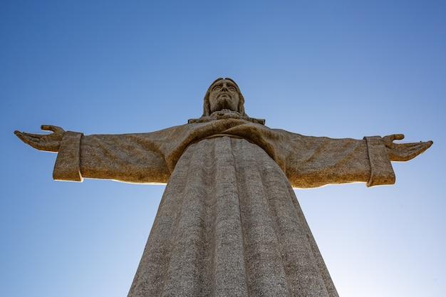 Standbeeld van christus in lissabon, heiligdom van christus de koning - cristo rei