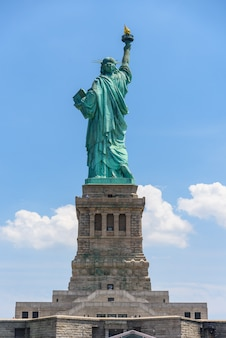 Standbeeld van liberty national monument in new york