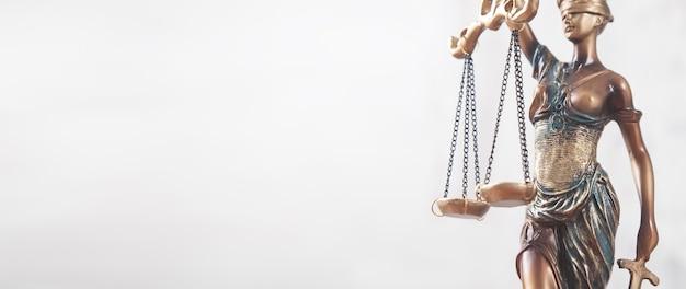 Standbeeld van vrouwe justitia. juridisch en recht