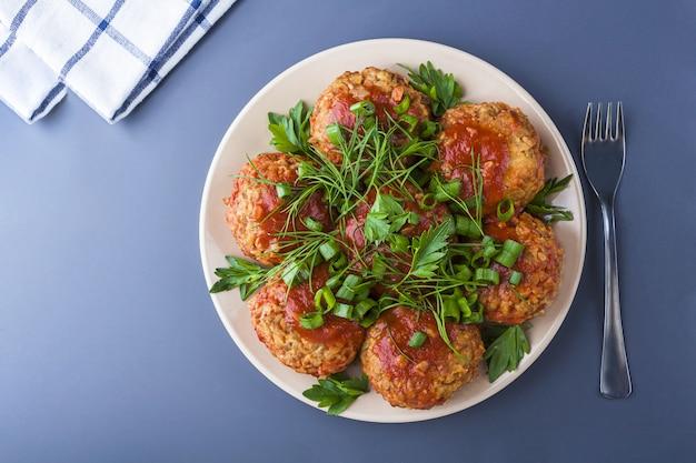 Stap voor stap recept. koken vegetarische boekweitkoteletten