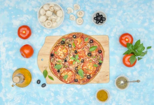 Stap voor stap vegetarische pizza maken, stap 12 - serveer de afgewerkte pizza