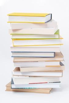 Stapel boeken voor wereld boek dag evenement