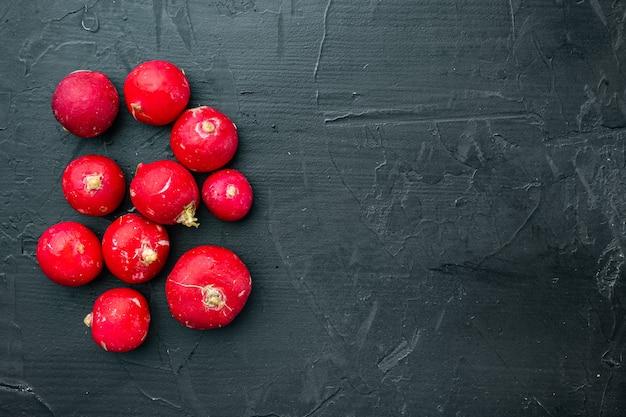 Stapel groenten ronde rode radijs set