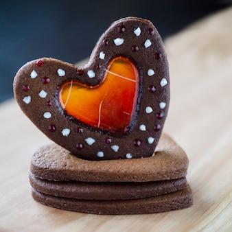 Stapel hartvormige koekjes