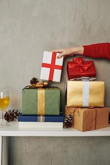 Stapel nieuwjaarsgeschenken
