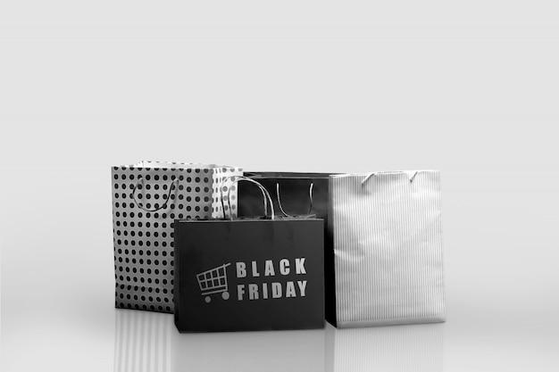 Stapel van een boodschappentas met black friday-tekst