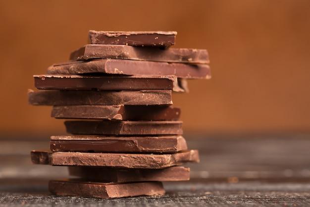 Stapel van pure chocolade