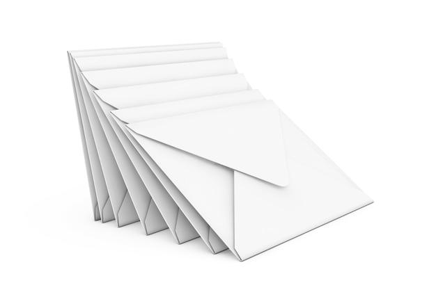Stapel witte lege envelop op een witte achtergrond. 3d-rendering