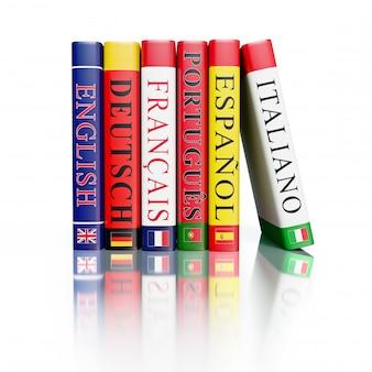 Stapel woordenboeken geïsoleerd