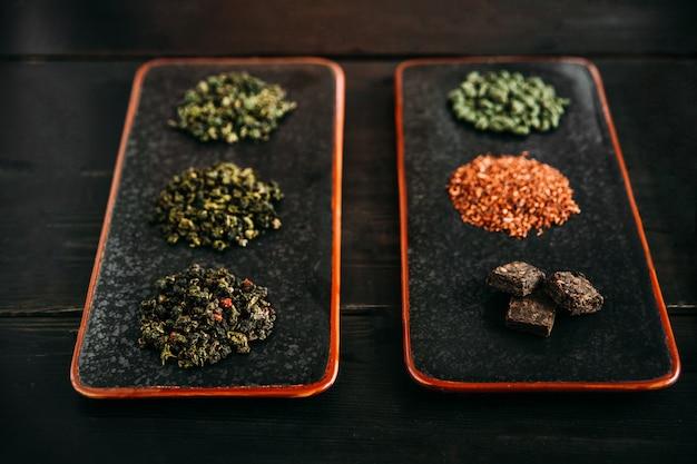 Stapels van verschillende soorten op seasonning
