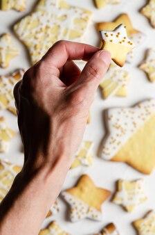 Star iced cookies met gouden parels