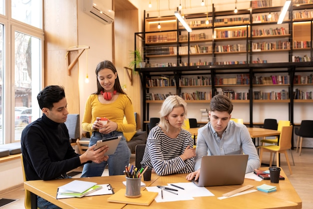Startende ondernemers bespreken strategieën