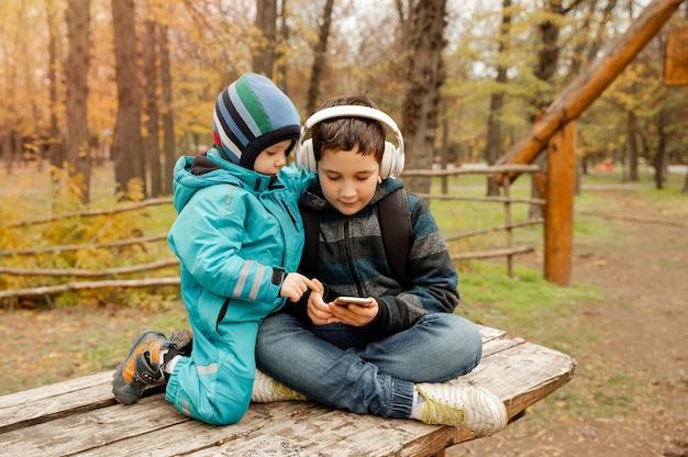 Staycations lokaal reizen familie-uitje uitje natuurlijke omgeving