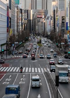 Stedelijk landschap japan auto's