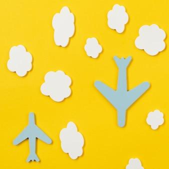 Stedelijk vervoersconcept met vliegtuigen bovenaanzicht
