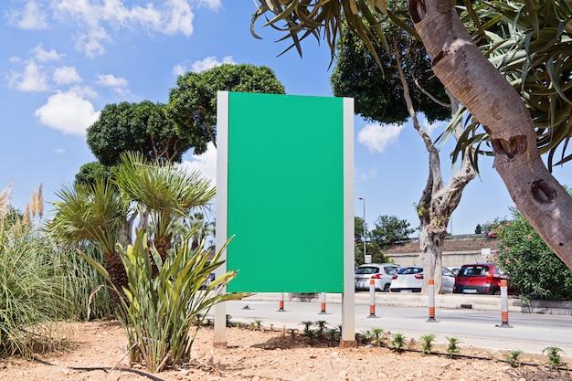 Stedelijke moderne stadsaanplakbord openlucht reclame