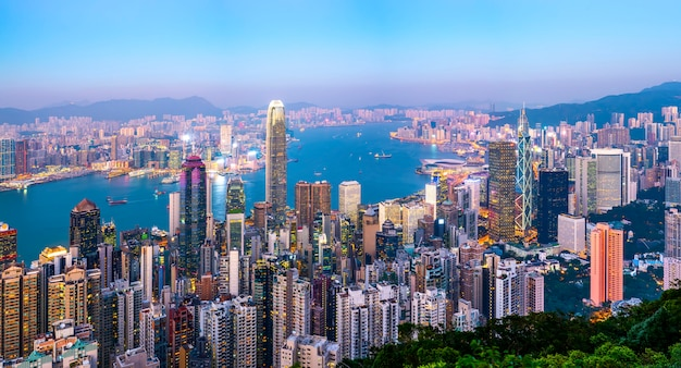 Stedelijke skyline en architecturaal landschap nightscape in hong kong