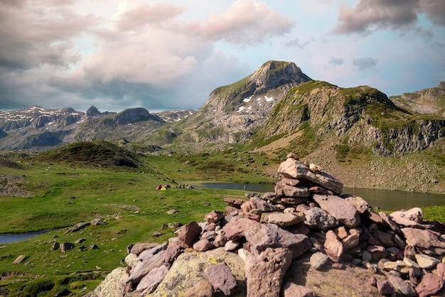 Steenteller in de bergen van de pyreneeën
