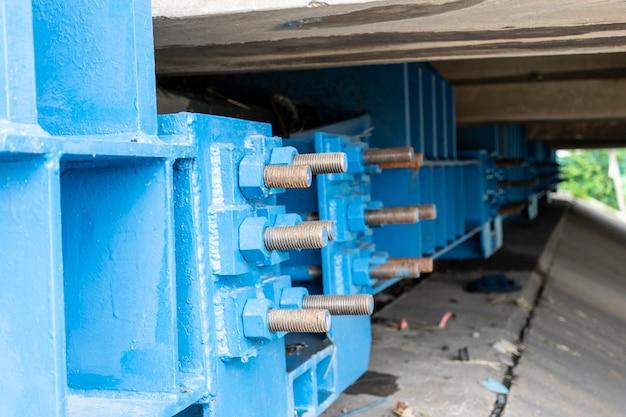 Steiger stalen frame op bouwplaats