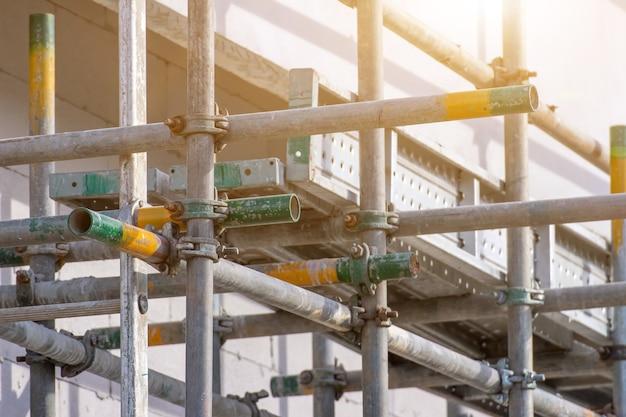 Steigerbuisklem en onderdelen, bouwsterkte aan steigerklemmen gebruikt op de bouwplaats