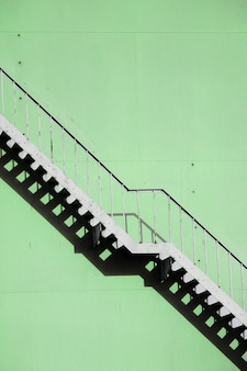 Steile trap in een fabriek