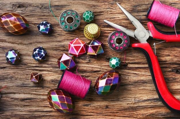 Stel handgemaakte sieraden