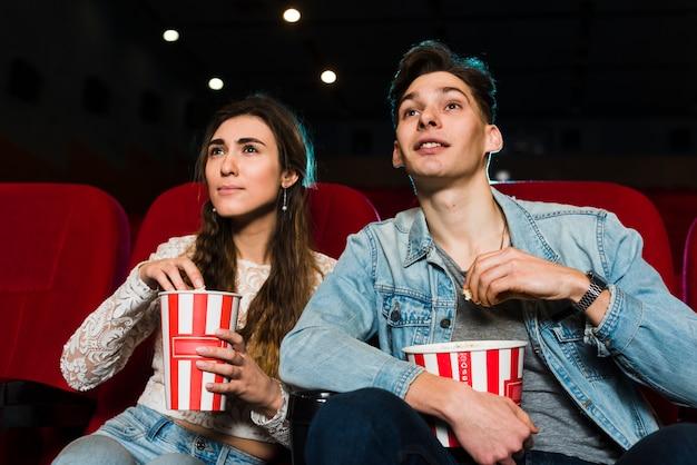 Stel in de bioscoop