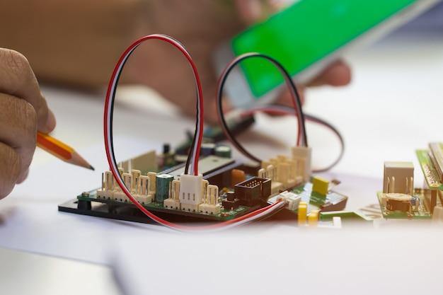 Stem education for learning, elektronisch bord voor programma door robotica-elektronica