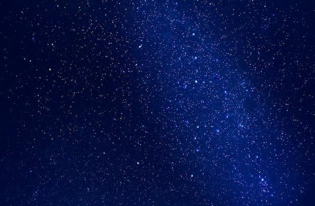 Sterrenhemel met sterren en melkweg