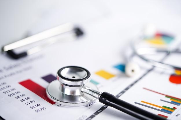 Stethoscoop, grafiekgrafiek, financiën, rekening, statistiek, analytische economiezaken