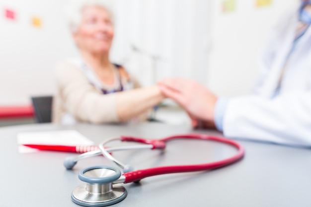 Stethoscoop op artsenbureau