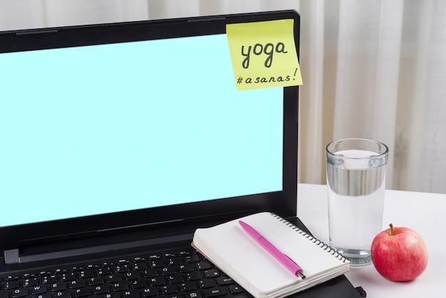 Sticker met woorden yoga, asanas
