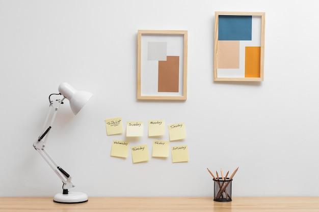 Sticky note-collectie met takenlijst
