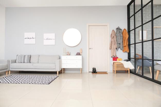 Stijlvol interieur van moderne hal in studio appartement