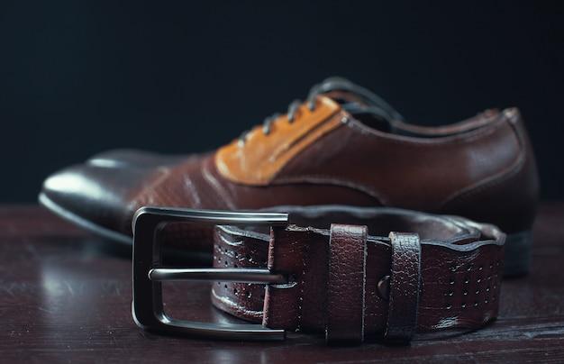 Stijlvolle leren heren schoenen en riem